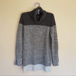 Banana Republic grey wool sweater size medium